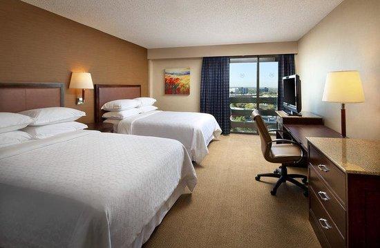โรงแรมเดอะเชอราตัน อัลบูเควอร์คิว อัพทาวน์