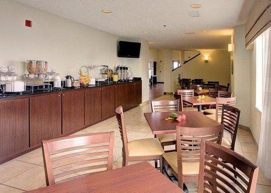 Sleep Inn: breakfast area