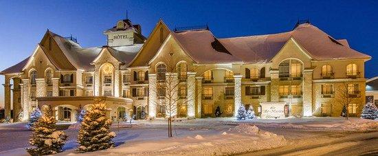 Le St Martin Bromont: Ext Hotel Site Web