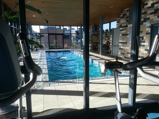 Le Square Phillips Hotel & Suites: pool n gym