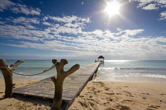Viceroy Riviera Maya: the wooden peer on the beach