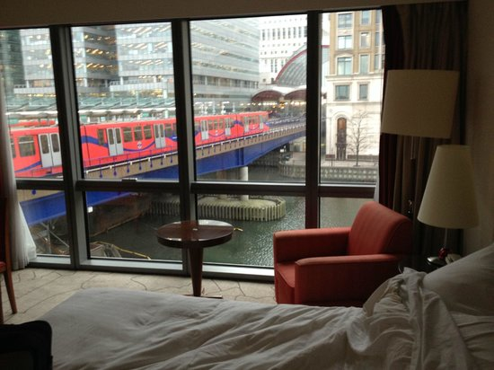 London Marriott Hotel West India Quay: View from the room, not surprising it was noisy