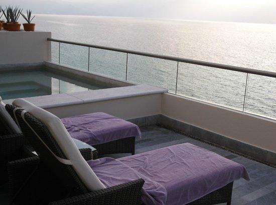 Secrets Vallarta Bay Puerto Vallarta : Private deck w/sitting pool