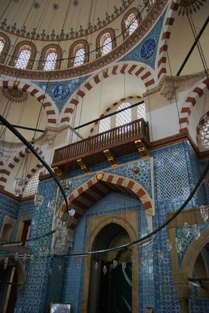 Mezquita de Rüstem Paşa: One of the most beautiful thing in the city