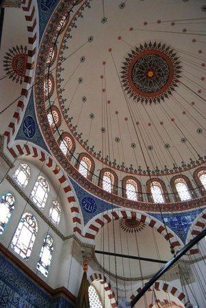 Mezquita de Rüstem Paşa: Very impressive!