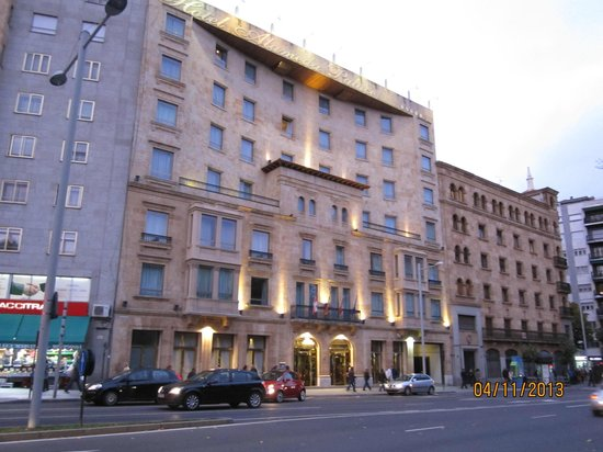 Hotel Alameda Palace: From the street