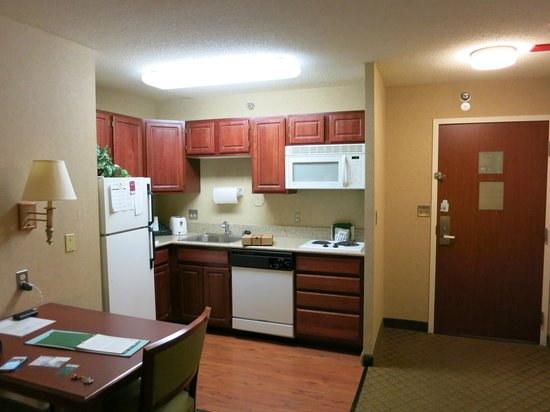 Homewood Suites by Hilton Chicago Downtown : キッチン