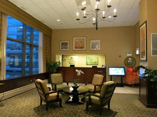 Homewood Suites by Hilton Chicago Downtown : ロビーとフロント