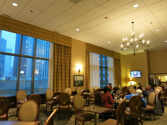 Homewood Suites by Hilton Chicago Downtown : 朝食会場