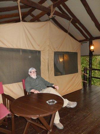 Kirawira Serena Camp: Resting on the porch