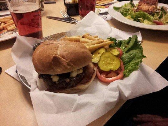 KoZak's Laketown Grill: Bourbon Blue Burger