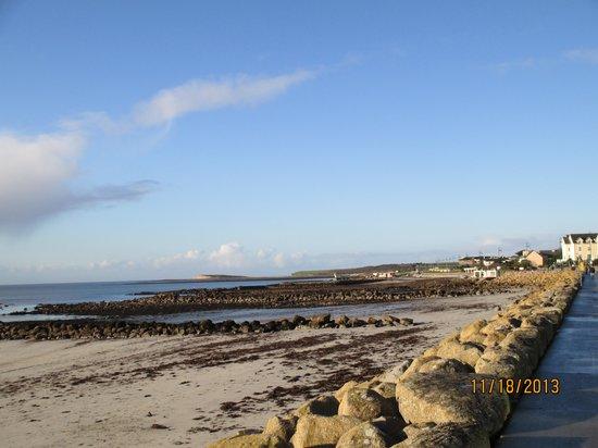Salthill-Promenade: Salthill Ocean View