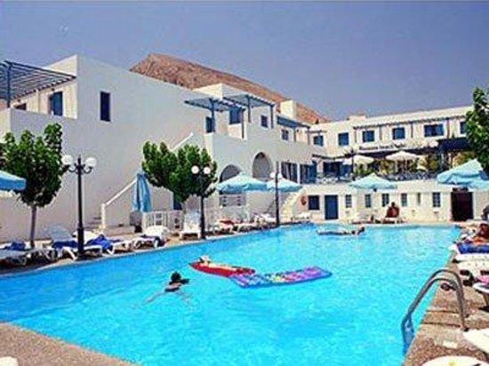 RK Beach Hotel: Pool View