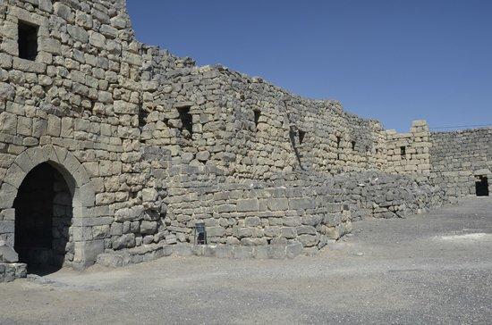 Qasr Azraq: Quasr Azraq Wall