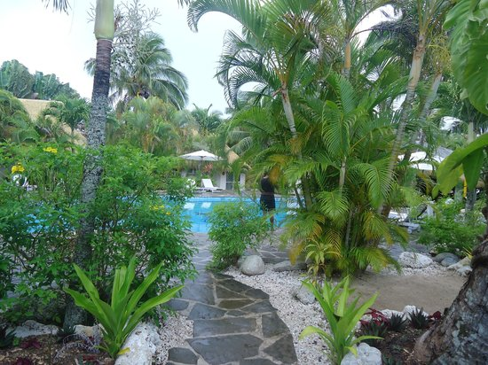 Crown Beach Resort & Spa: View from our poolside villa