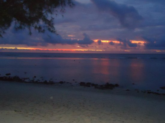 Crown Beach Resort & Spa: Romantic Sunsets