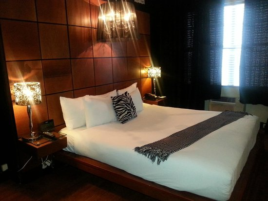 Chesterfield Hotel : Room 205