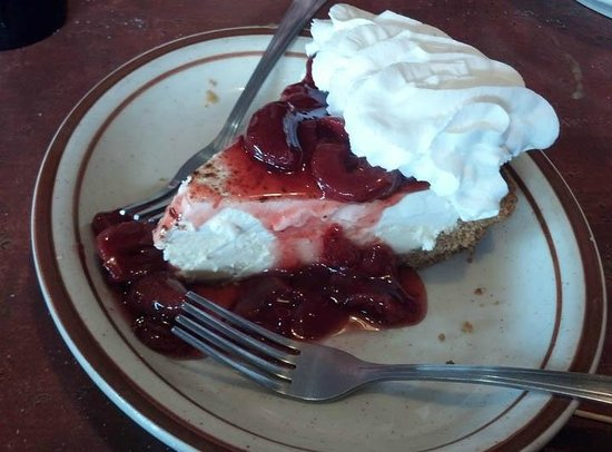 The Historic Pioneer Restaurant : Strawberry Cheesecake