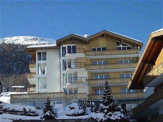 Hotel Mountain Inn : Exterior view