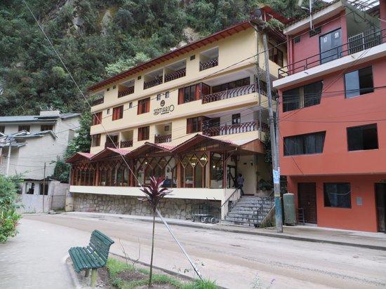 Santuario Hotel: Street view
