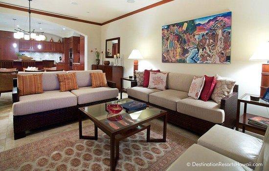 Wailea Beach Villas: Penthouse Living Room