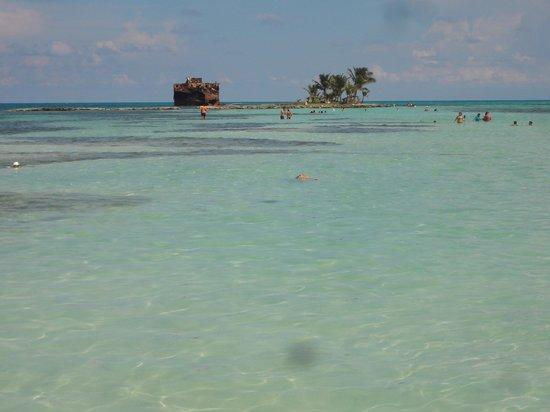 Cocoplum Beach Hotel : PRAIA  DO HOTEL