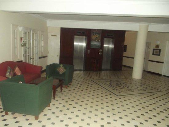 Victoria Chau Doc Hotel: Hotter than Hell Foyer
