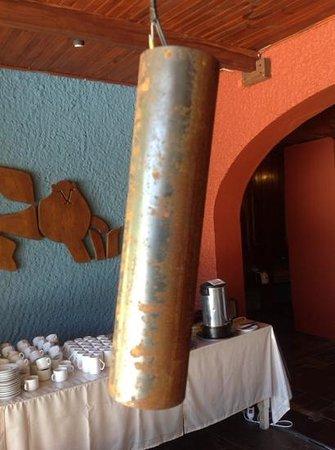 بي دابليو بونتا ديل إستي سان ماركوس هوتل: aplique de iluminacion en el sector de desayuno.Un poco oxidado