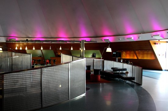 "BAH Barcelona Airport Hotel : Lobby area has a ""futuristic"" look"
