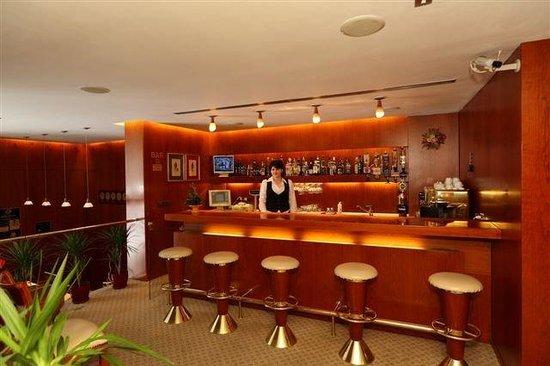 Duke Hotel: Bar/Lounge