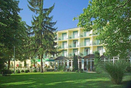 Photo of Hotel Real Balatonfoldvar