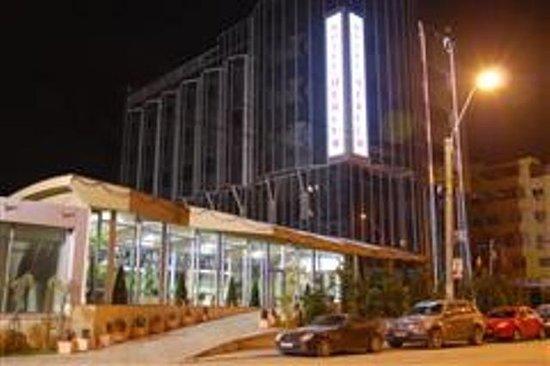 Hotel Navrom River