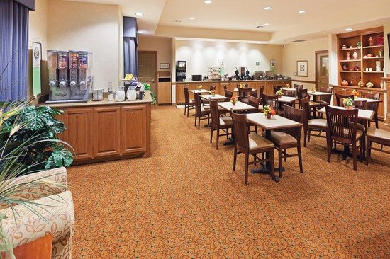 Country Inn & Suites By Carlson, Midland: CISMIDLANDTXBREAKFASTAREA
