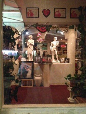 Villa Romana : The entryway from outdoors