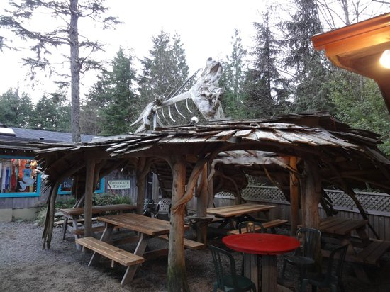 wildside grill: outdoor dining