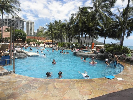 Sheraton Waikiki: Large family pool