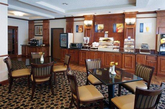 BEST WESTERN PLUS Clearfield: Breakfast Area
