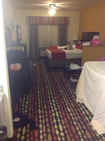 Best Western Greentree Inn & Suites: our room