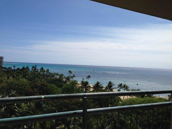 Hilton Hawaiian Village Waikiki Beach Resort: Balcony view.