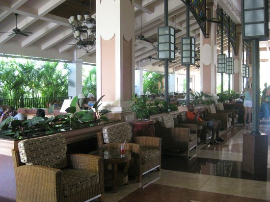 Hotel Riu Montego Bay: Lobby Seating / WiFi Area