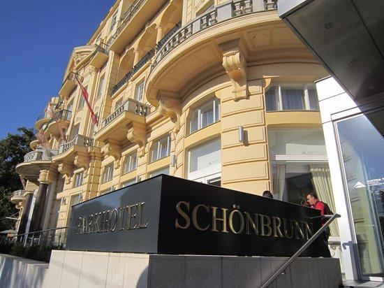 Austria Trend Parkhotel Schoenbrunn Vienna : Entrada