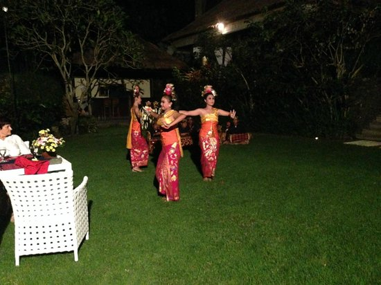 Sukhavati Ayurvedic Retreat and Spa : Balinese Dancers
