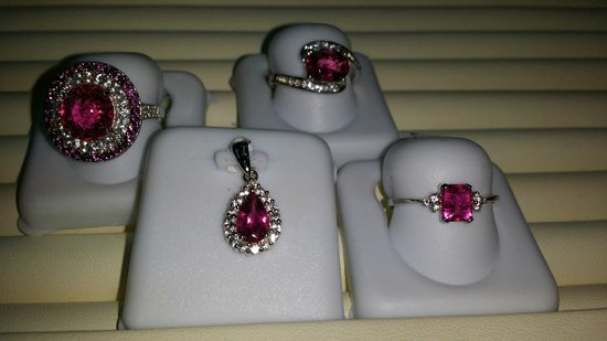 Whitsunday Opals: Jewellery collection PINK