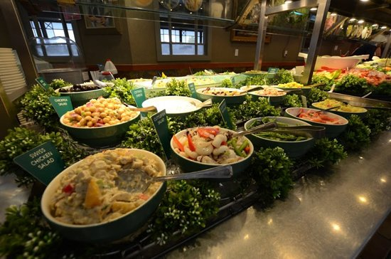 Salad bar 3 picture of mandarin restaurant london for 8 cuisine london ontario