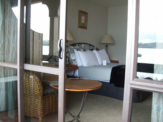 Millennium Hotel and Resort Manuels Taupo: The room, from the balcony