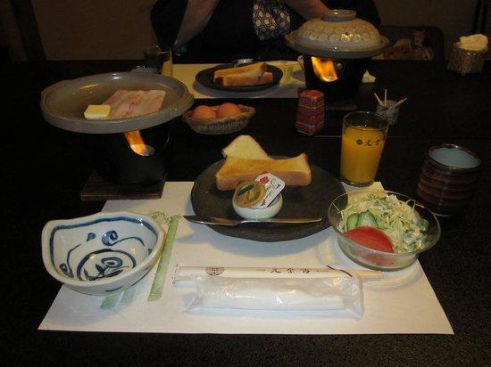 Motonago : Western style breakfast
