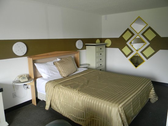 Kennewick Suites: Queen Suite.