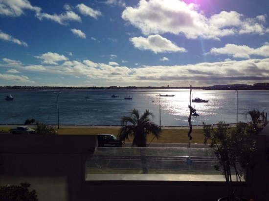 Harbourside City Backpackers : Great morning views