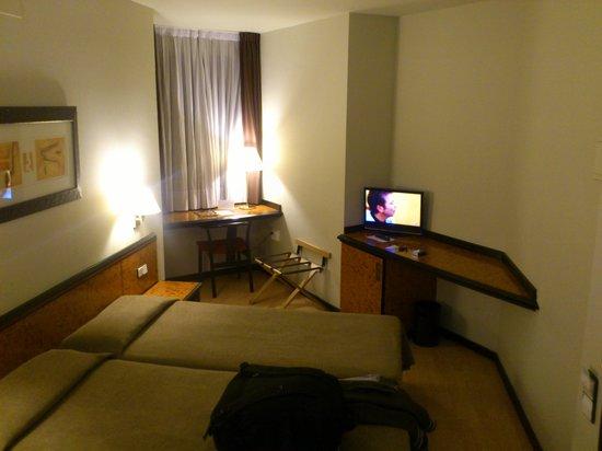Hotel Glories: room 112