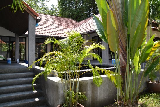 Ban Kao Tropical Boutique Residence & Spa : l entree de la maison